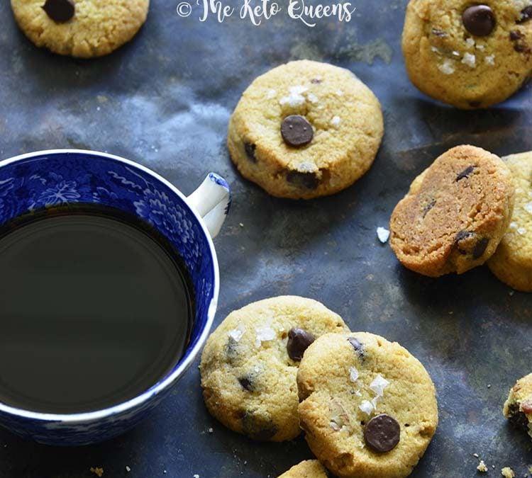 Keto Crunchy Chocolate Chip Cookies