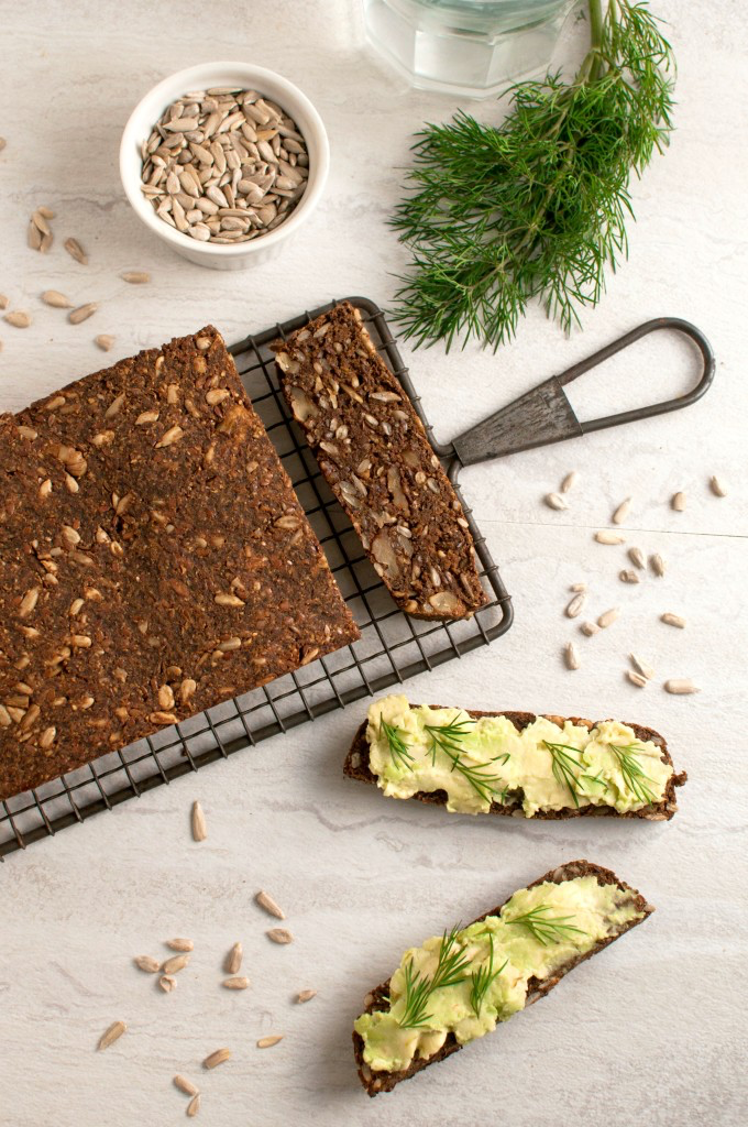 low carb pumpernickel bread