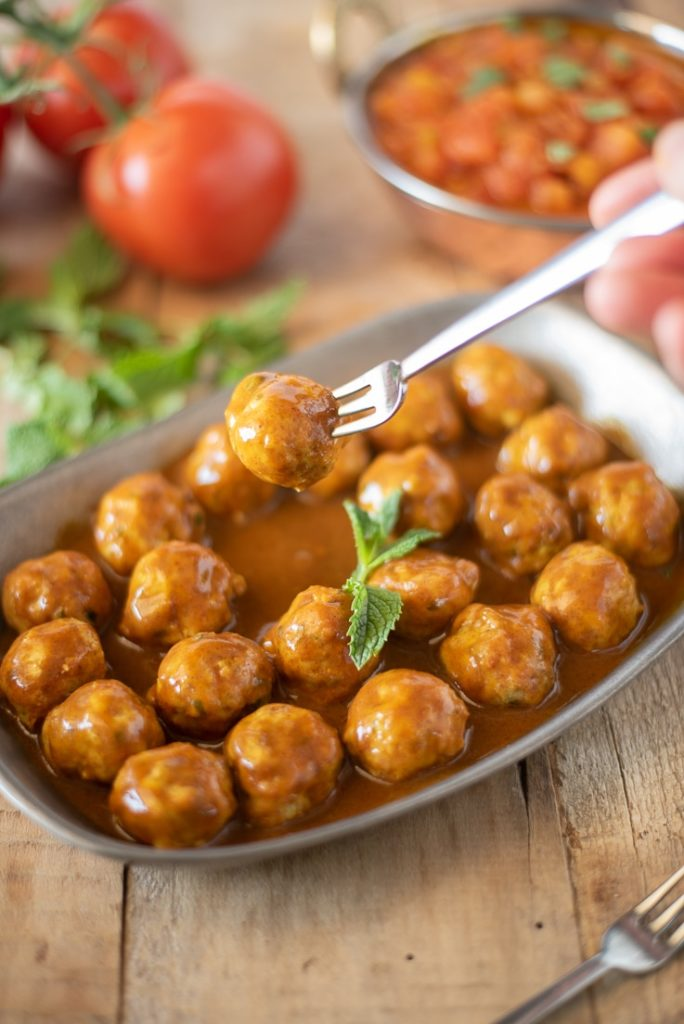 Mini-Indian-Meatballs-with-Curry-Coconut-Sauce-9
