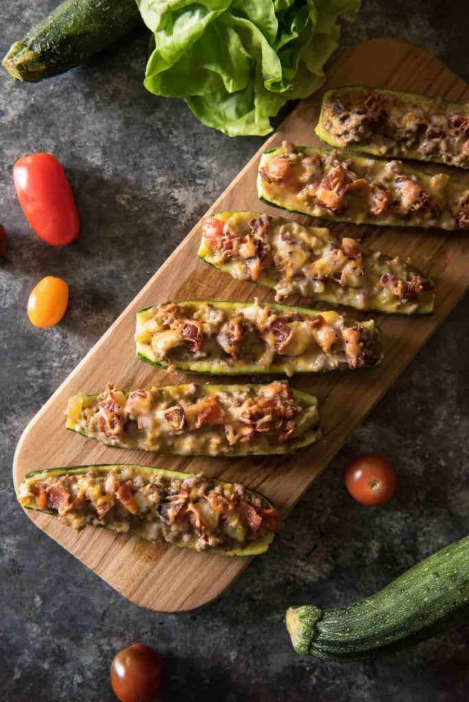 BACON CHEESEBURGER ZUCCHINI BOATS