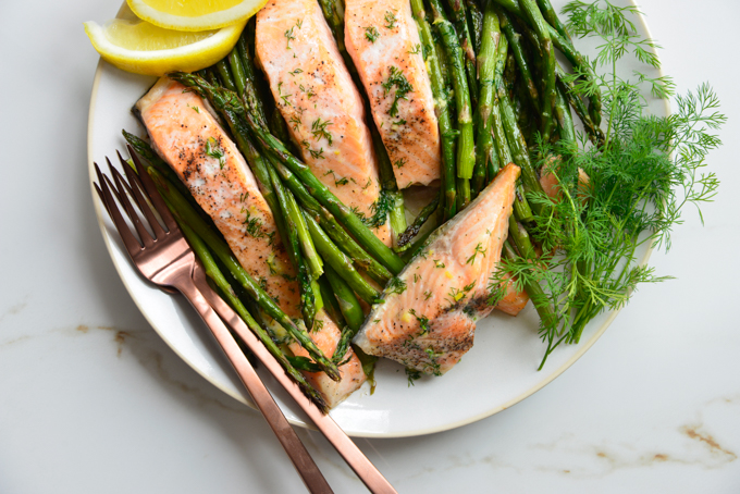 30 Minute Butter Dill Baked Salmon with Roasted Asparagus
