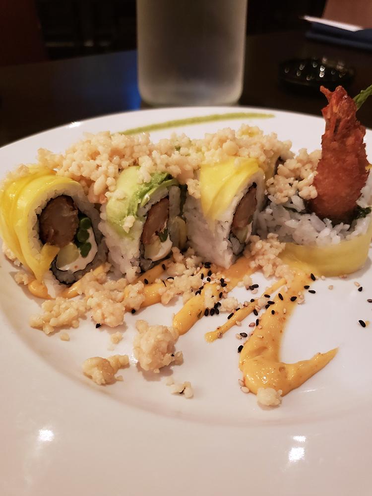 sushi roll at samauri blue