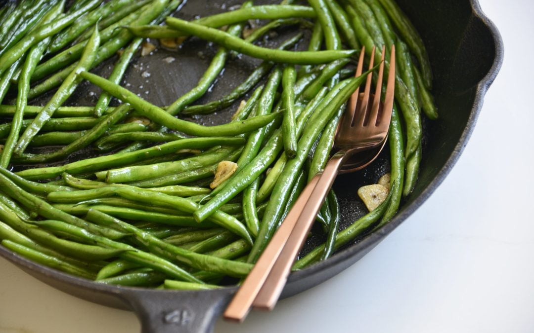 Garlicky Cast Iron Green Beans