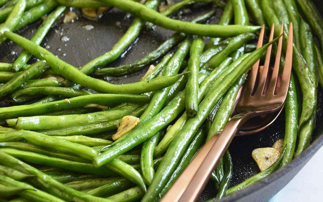 Garlicky Cast Iron Green Beans