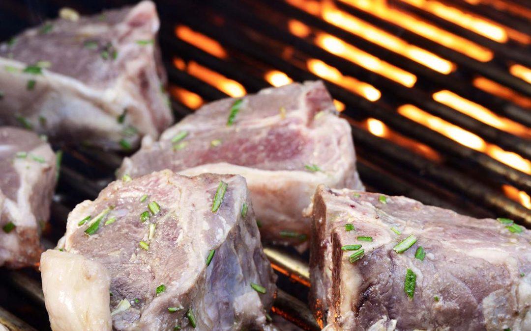 Marinated Grilled Lamb Chops with Garlic and Rosemary